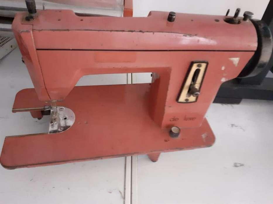Maquina de Coser Antigua para Repuesto
