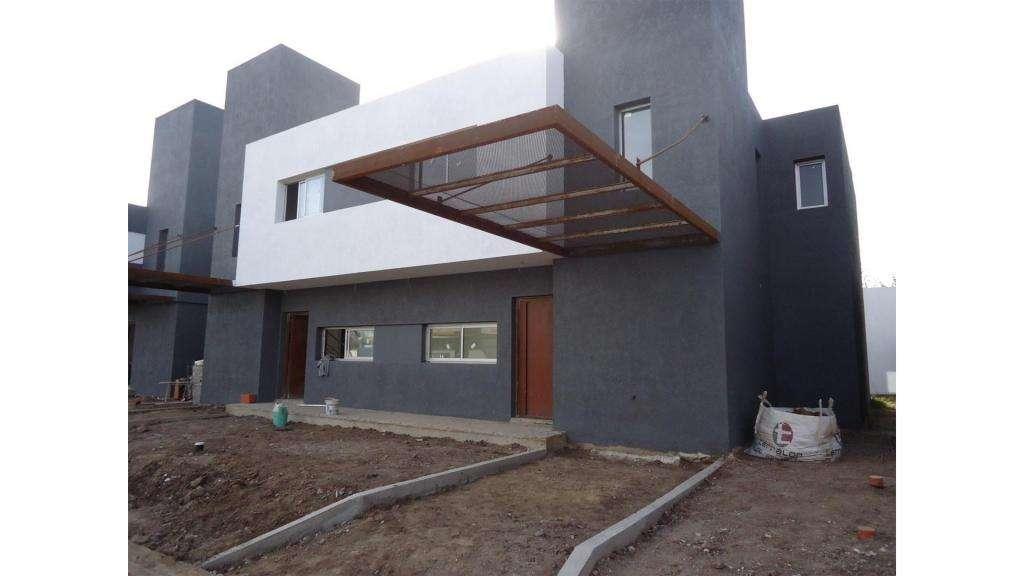 Francisco Palau  6500 - UD 220.000 - Tipo casa PH en Venta