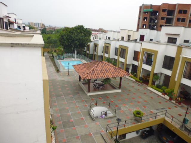 Vendo Casa Unidad Cerrada Av. Sur 4 alcobas VePermuto