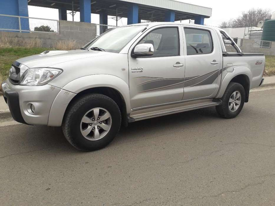 Toyota Hilux 2009 - 141000 km