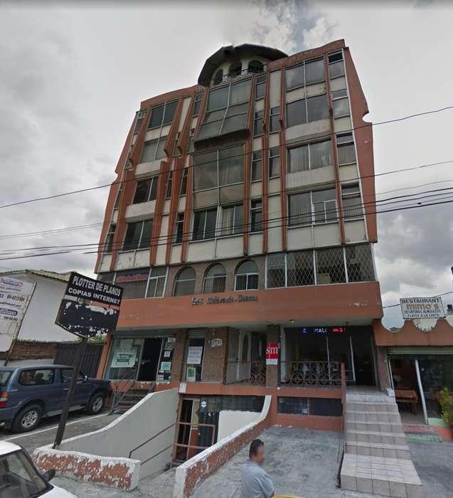 <strong>oficina</strong> 46m2 Con Baño. 10 De Agosto Y Daniel H. Orellana.
