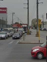 AS:12925 SE ALQUILA LOCAL COMERCIAL O INDUSTRIAL EN LA AV. ARGENTINA