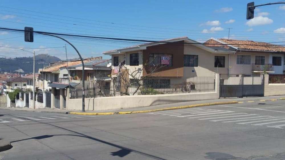 Vendo Casa esquinera Sector Bellavista.