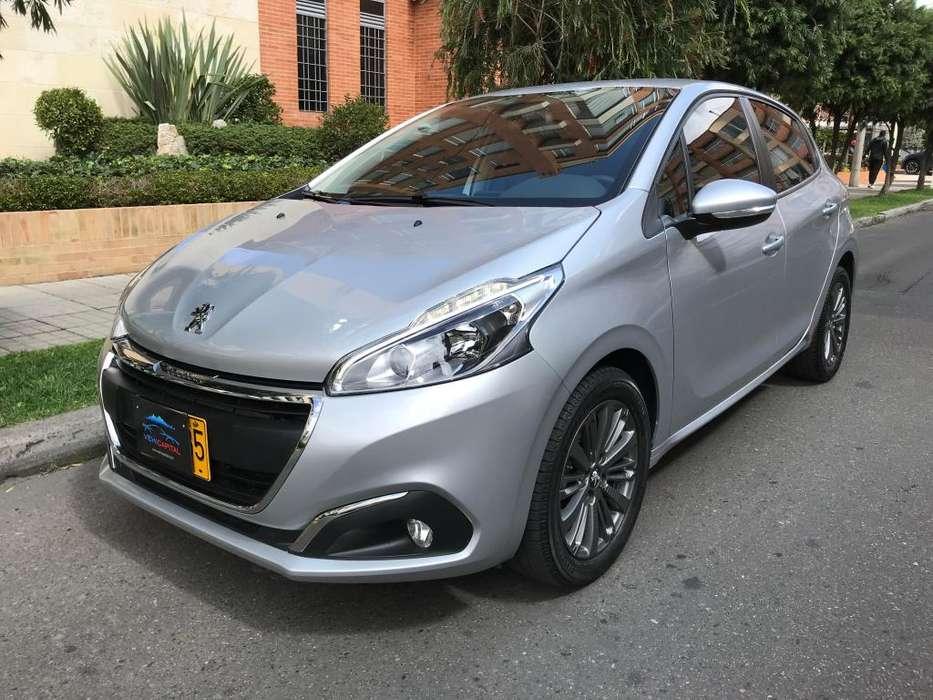 Peugeot 208 2018 - 10300 km