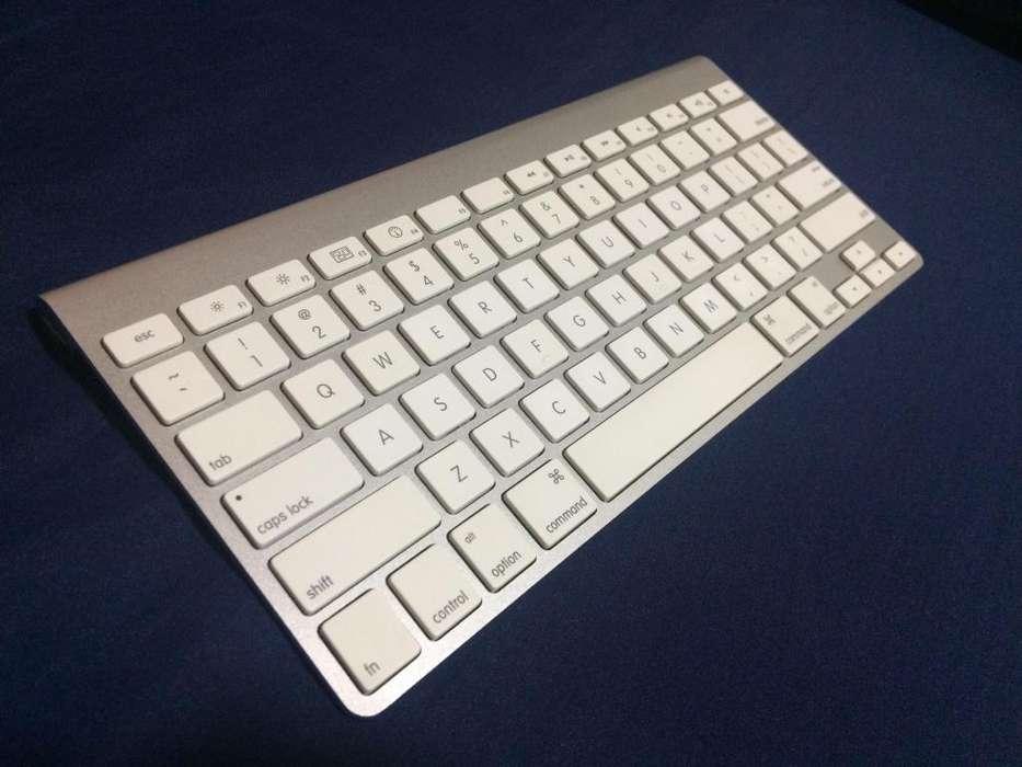 Magic Keyboard 1 En Inglés Usado inalámbrico en perfecto estado