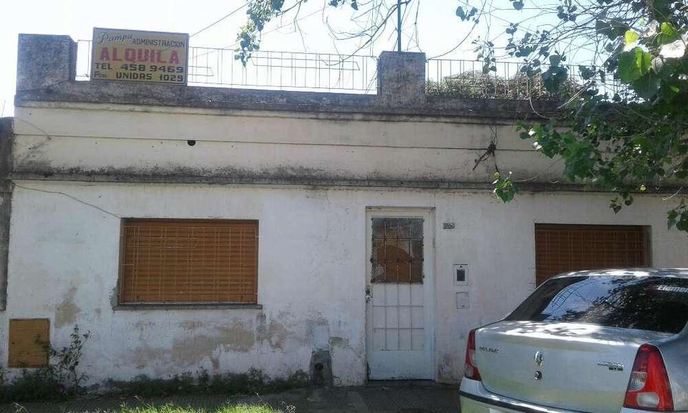 Casa con Galpon en Venta