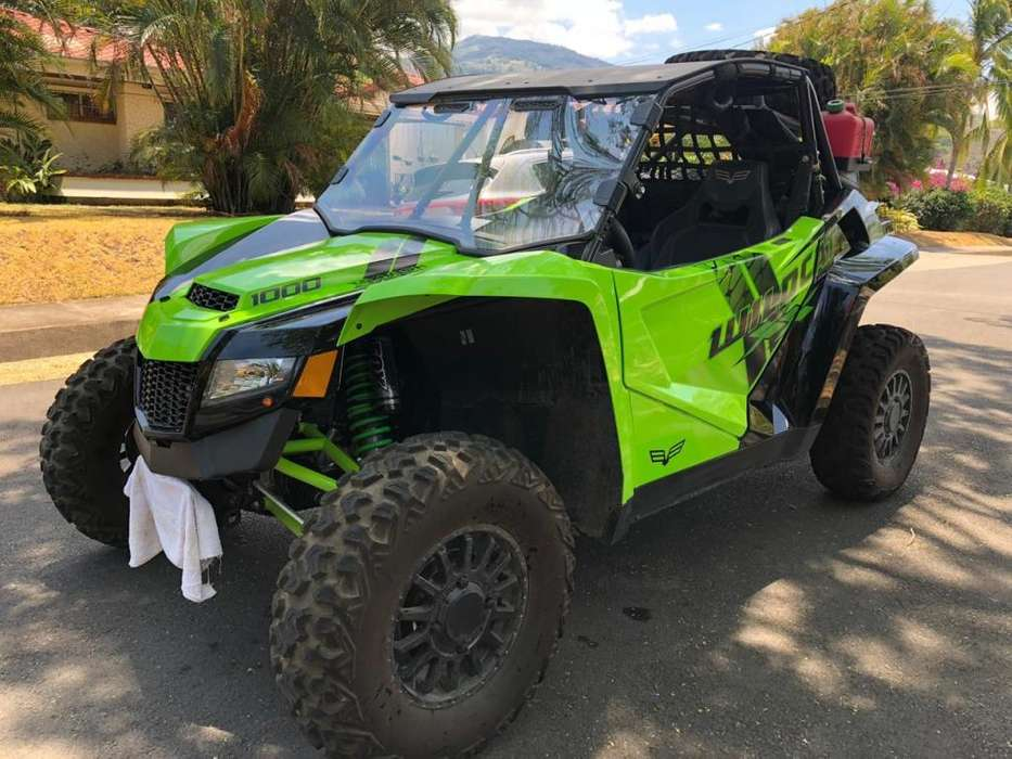 Buggy Textron Arctic Cat