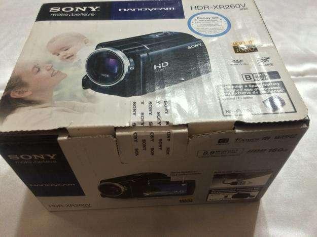 Vendo Cámara Sony Handycam HDRXR260V, importada