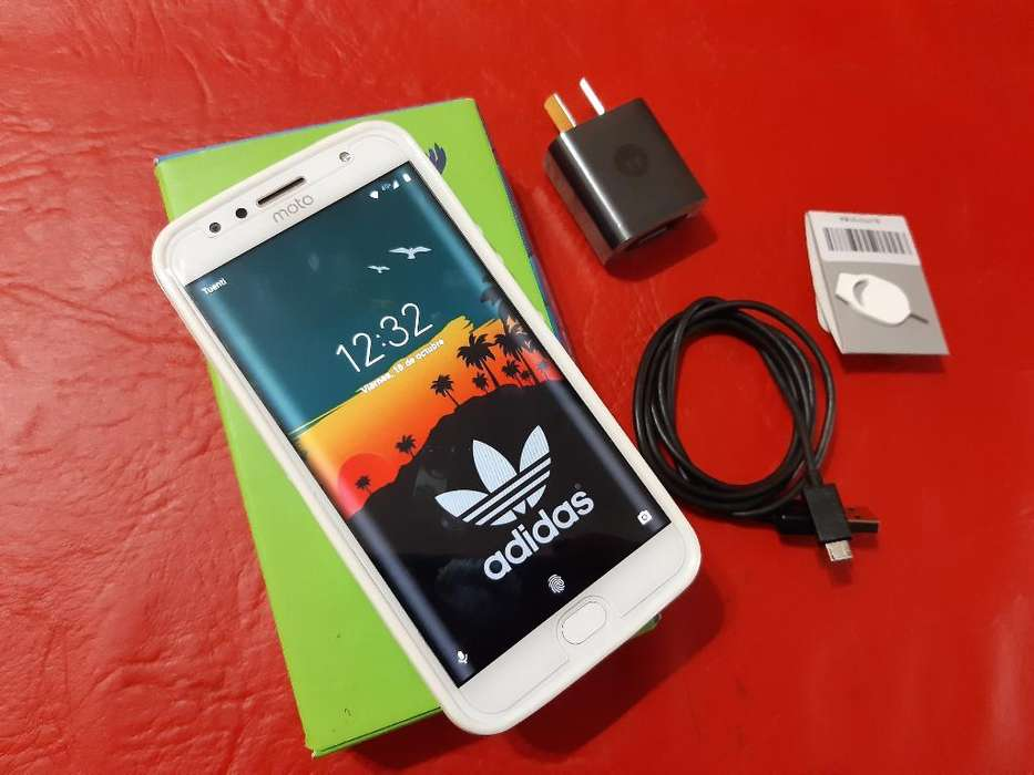 Vendo Moto G5s Plus Libre Impecable