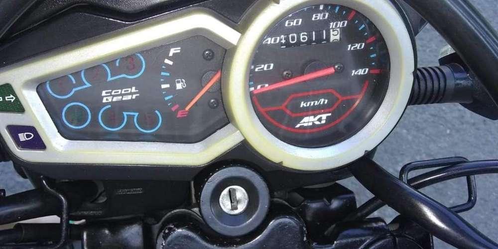 Se Vende Moto Akt Ttr 150