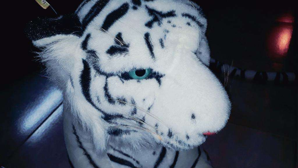 Peluche Pantera Blanca con Etiqueta.