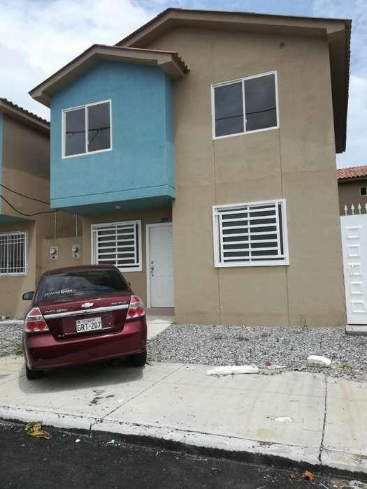 Alquilo Linda Casa en Villa Bonita