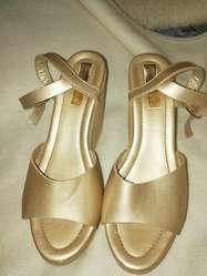 Vendo hermosas sandalias