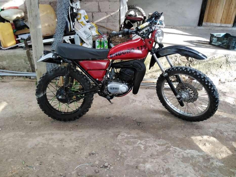 Moto Trail 175