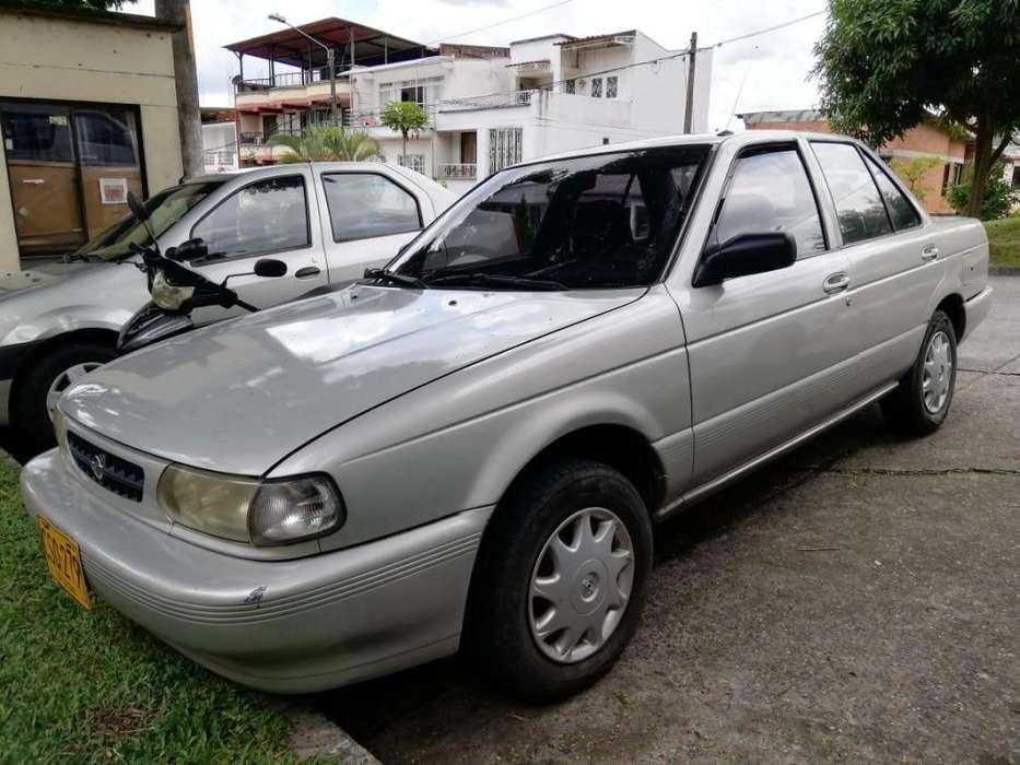 Nissan Otros Modelos 2001 - 200 km