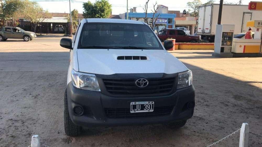Toyota Otro 2012 - 70000 km