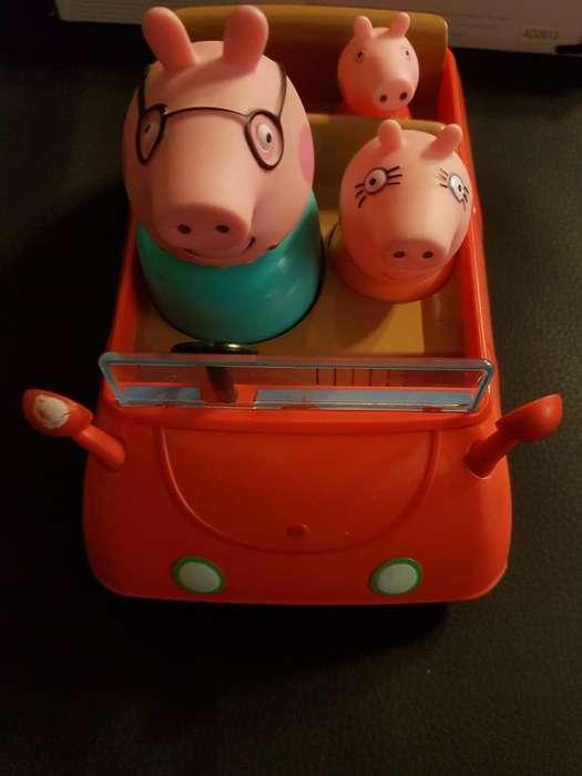 Auto Familiar Pepa Pig Push and Go con Mamá - Papá y Pepa