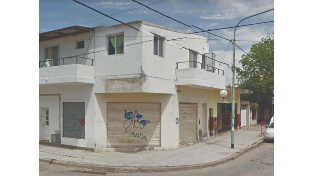 De La Torre 1300 - 8.000 - Local Alquiler
