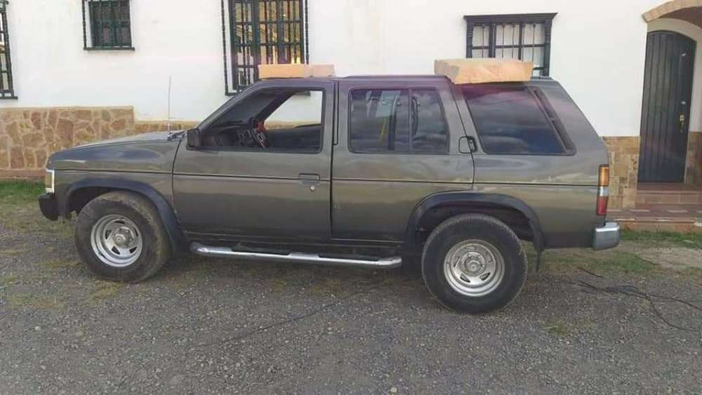 Nissan Pathfinder 1993 - 0 km