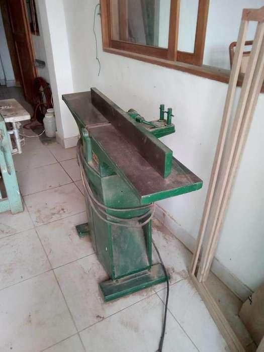 Vendo carpinteria completa