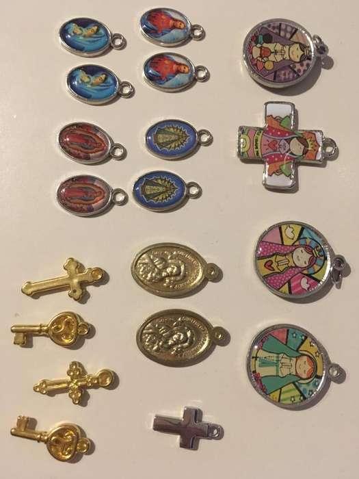 Dijes y medallas, varios modelos