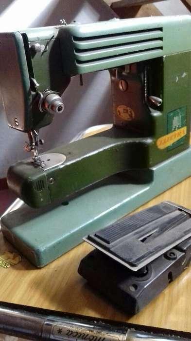 Maquina de Coser Elektra Antigua