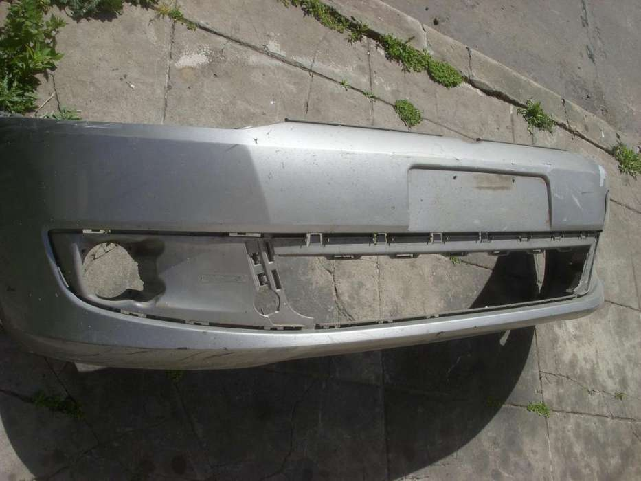 repuesto volkswagen, paragolpe delantero original usado con detalle, volkswagen gol trend