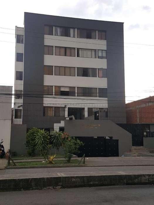 Remate <strong>apartamento</strong> Tequendama Piso 4 E.r