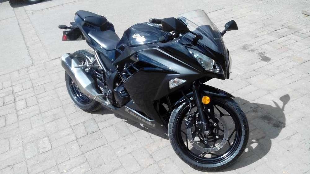 Moto <strong>kawasaki</strong> ninja 300