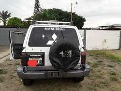 Misubishi Montero 4x4
