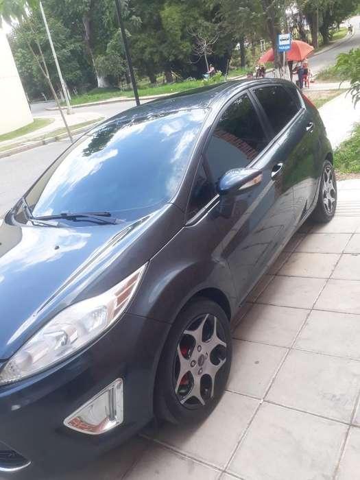 Ford Fiesta  2011 - 83000 km