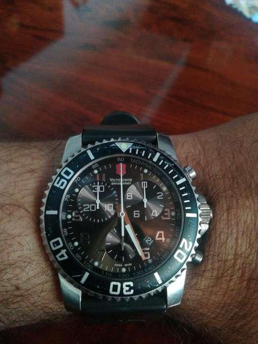 Reloj Victorinox Chronograph Usado