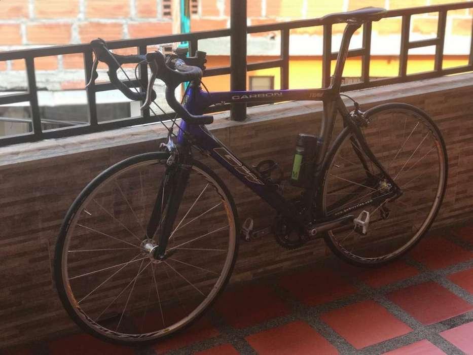 Se Vende Bici de Ruta Carbono