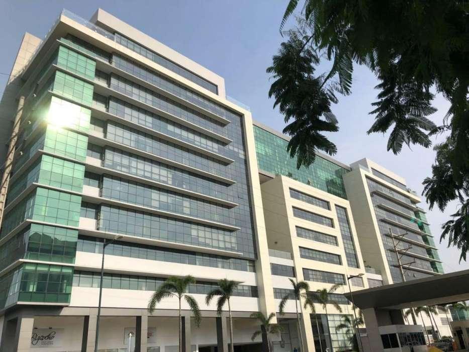 Venta de Oficina en el <strong>edificio</strong> Sky Building, cerca del Aereopuerto Jose Joaquin de Olmedo, Norte de Guayaquil