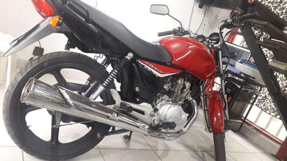 Vendo Cg Titan 150 M2015