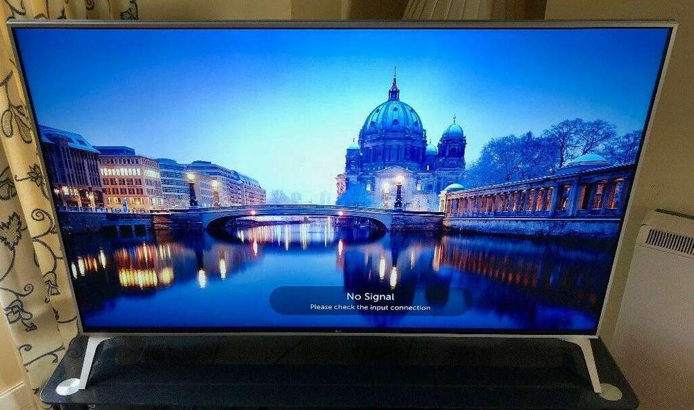 se vende hermoso tv nuevo para extrenar de 34'' led smar tv full ultra hd marc LG