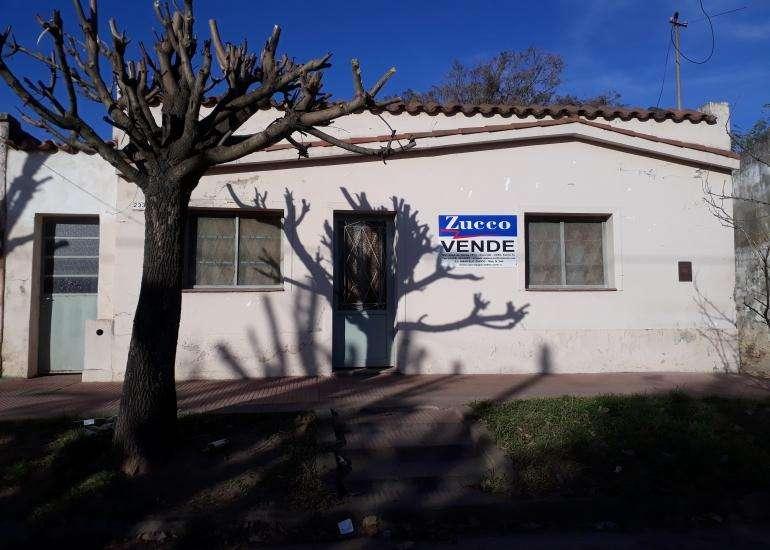 En Venta Casa en Coronda - Güemes entre Hipólito Irigoyen y Almafuerte