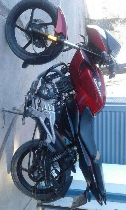 Moto Rouser Como Nueva!!