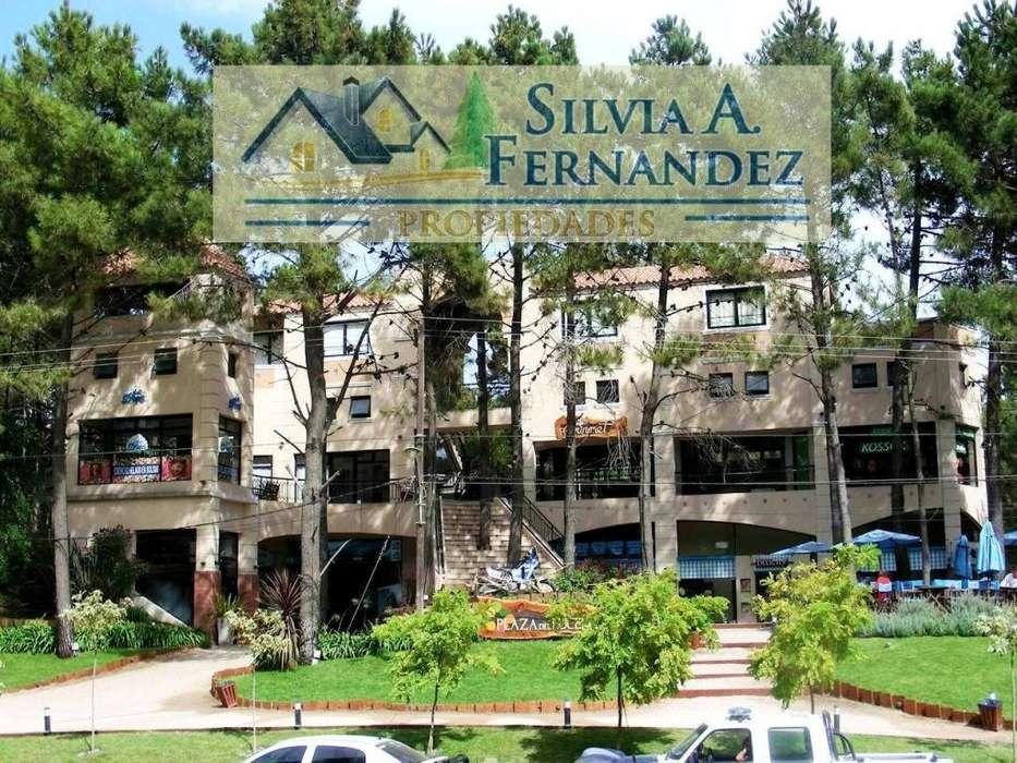 MAR DE LAS PAMPAS: LOCALES EN IMPORTANTE CENTRO COMERCIAL