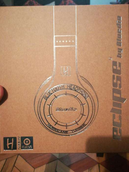 Headphone Bluetooh Bluedio H Turbine