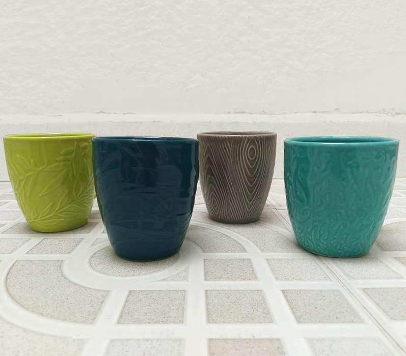 Juego de mugs de colores - Corona
