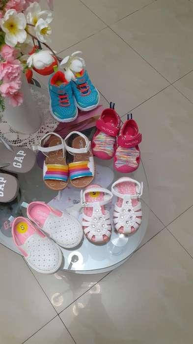 Zapatos Y <strong>ropa</strong> de Niña Y Niño
