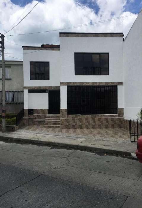 Vendo Casa Barrio La Isabela para Estren