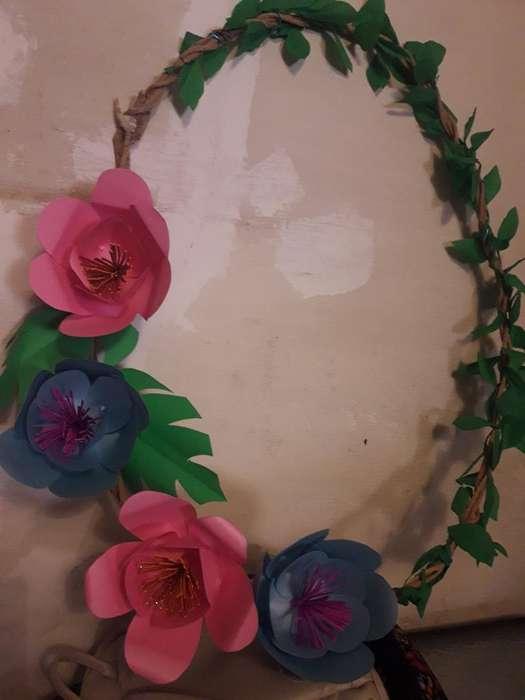 Vendo Flores de Cartulinas Estan Sanas
