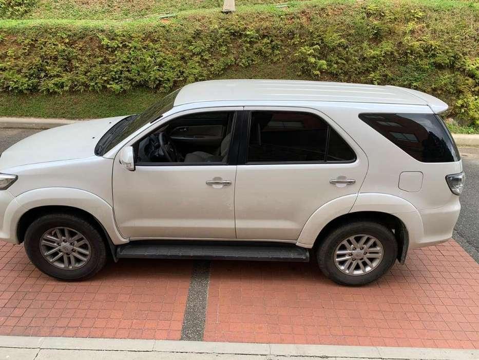 Toyota Fortuner 2012 - 107000 km