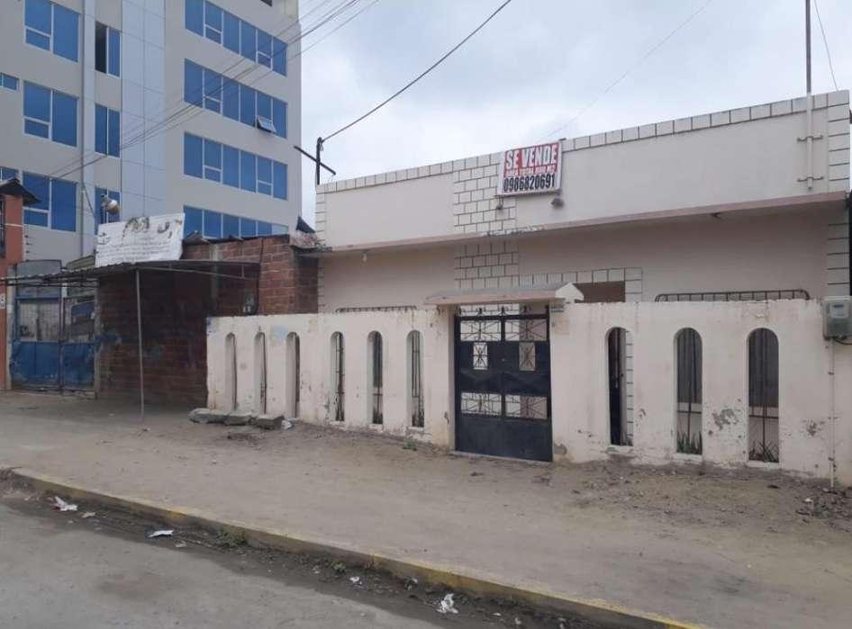 Casa con Terreno en Huauqillas