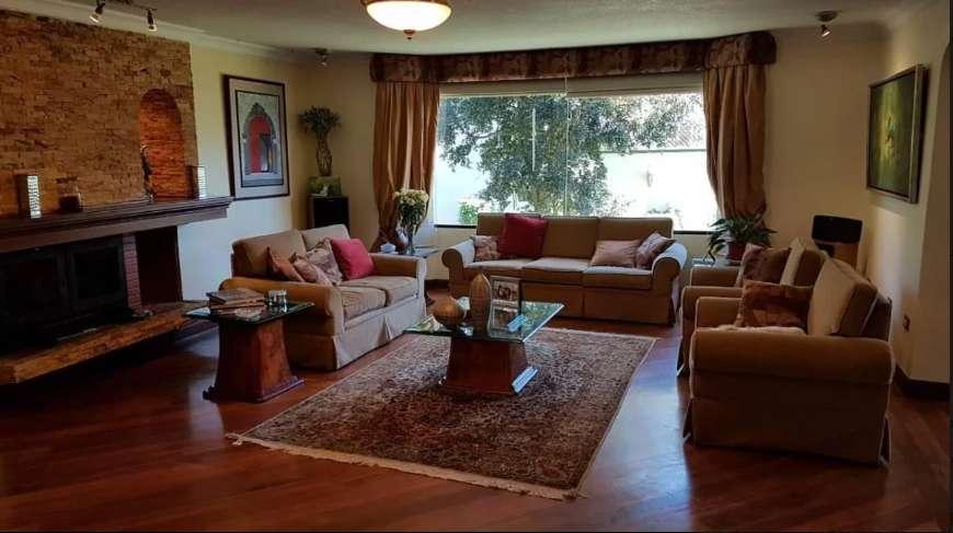Casa de venta en Campo Alegre - Casa Independiente Dentro de Conjunto, Monteserrín, Norte de Quito
