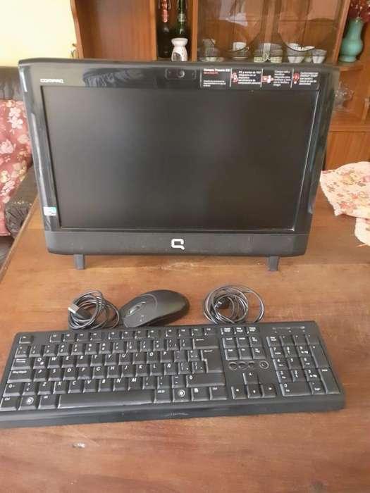 Computadora Compac Todo en Uno