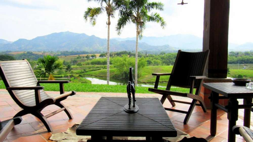 Majestuoso rancho ecuestre en Malabar Condominio Campestre. Cerritos. Casa campestre / Finca.