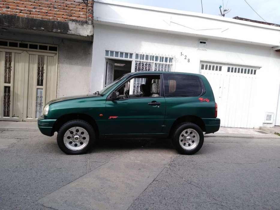 Chevrolet Grand Vitara 2001 - 217813 km